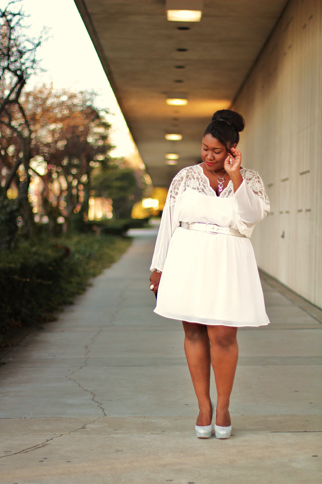 Plus size white dresses for curvy girls